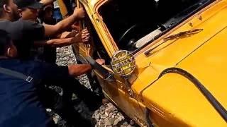 Video Kecelakaan Kereta Api Rantauprapat - Medan(29-05-206) download MP3, 3GP, MP4, WEBM, AVI, FLV September 2018