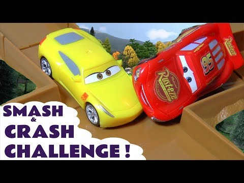 Disney Cars Toys McQueen Cars 3 Smash & Crash Challenge Racing with Hot Wheels Car for kids TT4U