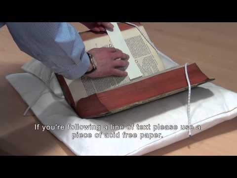 The University of Edinburgh - Guide to Handling Collections Material (subtitled version)