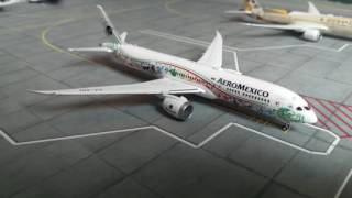 Video Reseña Dreamliner AeroMexico 787-9 en la librea Quetzalcóatl por JC Wings escala 1:400 download MP3, 3GP, MP4, WEBM, AVI, FLV Agustus 2018