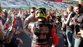 Max Biaggi torna in sella all'Aprilia 250 Chesterfield del 1995