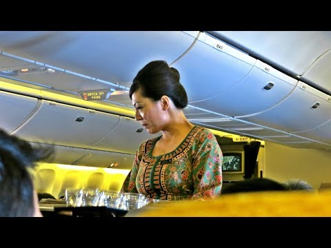 Singapore Airlines Impressive Economy Class: SQ866 Flight Review Singapore-Hong Kong (SIN-HKG)