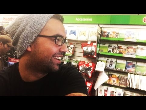 Selling My Call of Duty At GAMESTOP (Day Of RELEASE) RIP OFF!