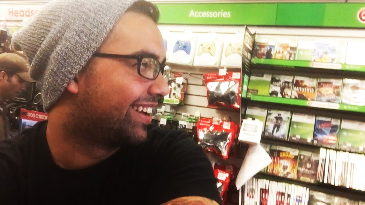 Selling The New Call Of Duty At Gamestop Day Of Release