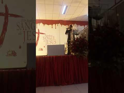 Pastor José Carlos ceguinho da Bahia pregando no aniversário dos Oitenta anos da igreja batista