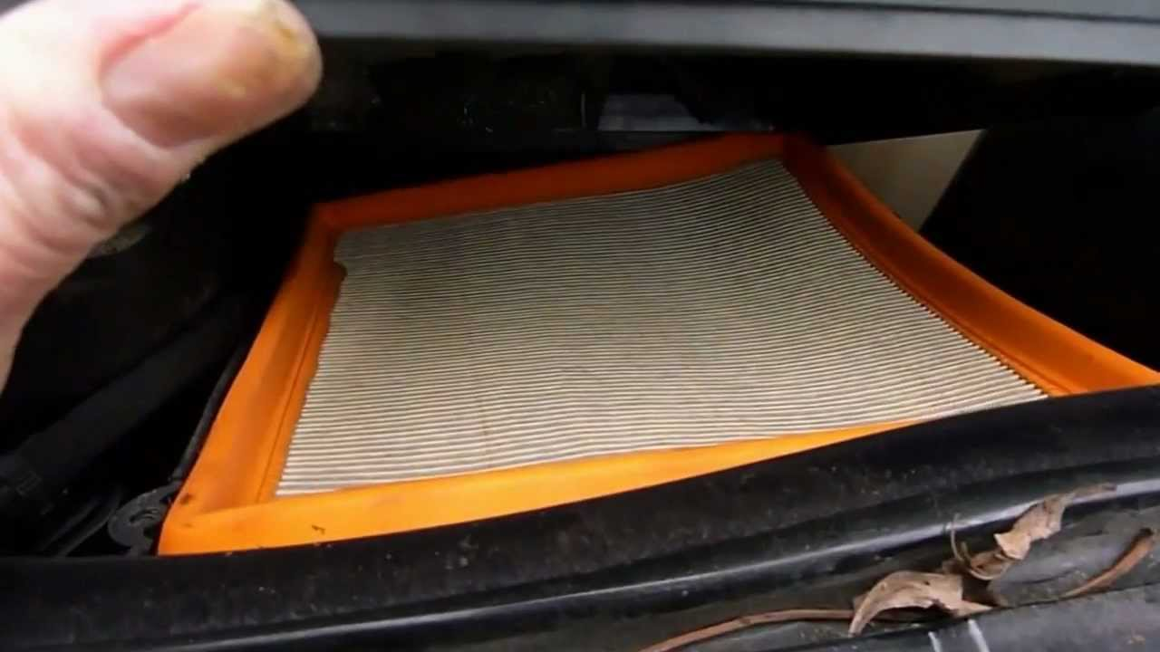 how to change the air filter renault laguna youtube. Black Bedroom Furniture Sets. Home Design Ideas