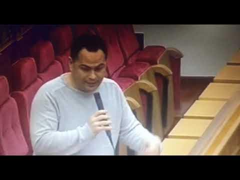David Llorente pregunta al consejero de Agricultura sobre las vacas abandonadas de Navalpino