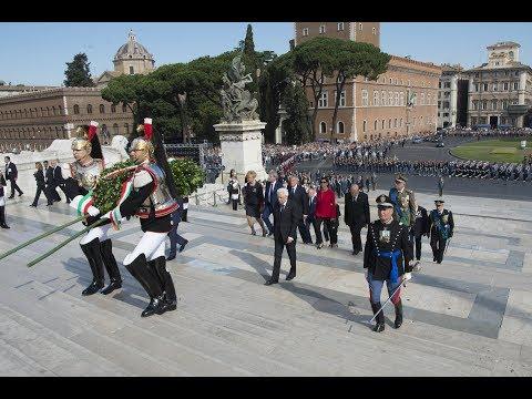 Festa della Repubblica: Mattarella depone una corona di alloro - Altare della Patria