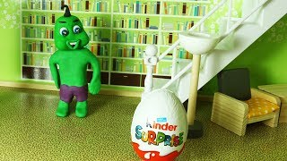 Baby Can't Open a Kinder Surprise Egg with Doll Surprise Toy!