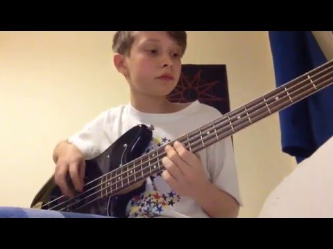 Iron Maiden - Run To The Hills - Bass Cover