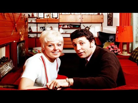 Shes A Lady When Did Tom Jones Wife Melinda Trenchard Die Youtube
