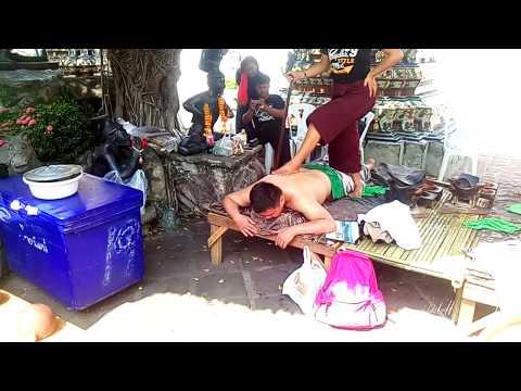 Thai Fire Massage in Wat Pho Bangkok,Thailand