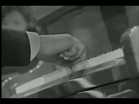 Yakov Flier plays Beethoven Piano Concerto no. 3 (Part 2/4).
