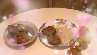 Котлеты из индейки пропаренные на сковороде. Turkey meatballs steamed in the pan.