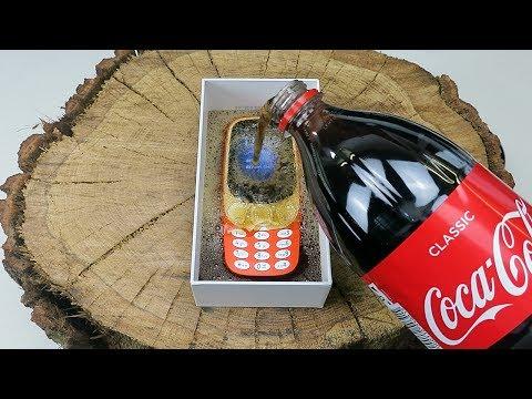 Nokia 3310 (2017) Coca-Cola Test + Freeze Test