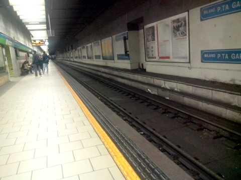 Annunci alla stazione di milano porta garibaldi - Stazione porta garibaldi mappa ...