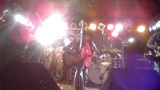 Guitar : 間宮 工 Bass : ENRIQUE Vocal : 寺岡 佐和子 Drums : Sticks ...