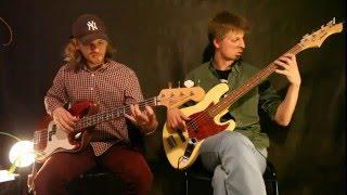 Бас-гитара, первые шаги. Базовые упражнения на бас-гитаре.(В этом видео я и Рома расскажем Вам, с какими сложностями можно столкнуться начав учиться играть на бас-гита..., 2016-05-12T15:40:22.000Z)