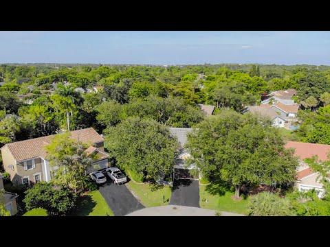 3833 Lancewood Drive, Coral Springs, FL 33065