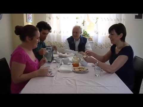 """Trailer """"Mondo Vuoto"""" (Piccola Accademia dei Talenti) Soggetto e Regia: Simona D'Angelo"""