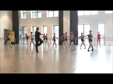 Ballet 101 with Stuttgart Ballet: How to Pirouette