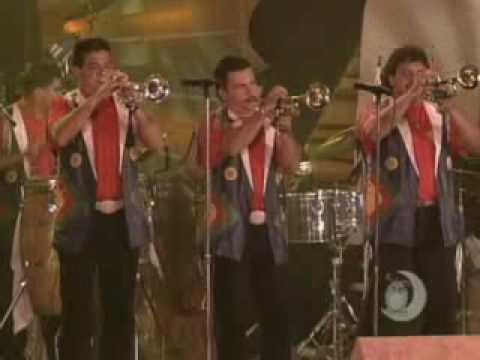 Arrolladora Banda El Limon - Pa'lla Y Pa'ca