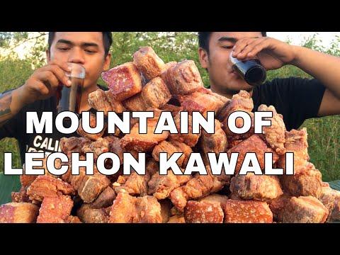 OUTDOOR COOKING   MOUNTAIN OF LECHON KAWALI