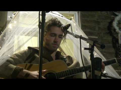 Matt Corby - 'RUNAWAY' (London Secret Garden - 19.09.2012)