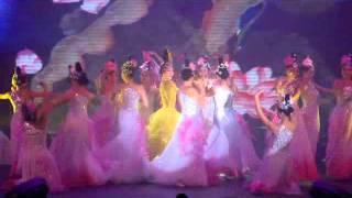Ngô Thanh Vân và Linh Nga múa Sen