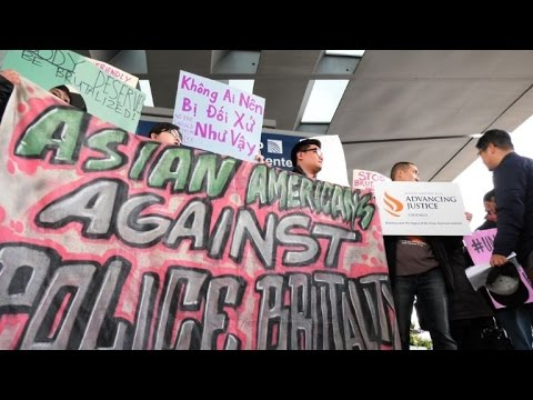 People rally at Chicago O'Hare to protest United Airlines