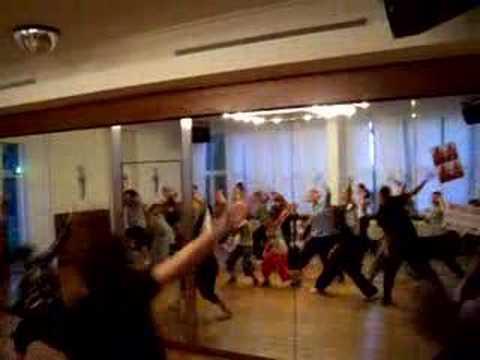 SoulBeatZ~3.PLATZ~STARMOVES CHAMPIONSHIP EUROPEAN DANCE CONTEST(26.3.2011 in Stuttgart)! von YouTube · HD · Dauer:  3 Minuten 23 Sekunden  · 9000+ Aufrufe · hochgeladen am 27/03/2011 · hochgeladen von Marilenoooo