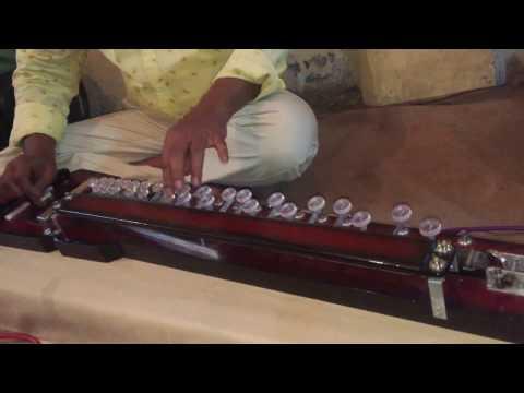 Banjo master ravi yadav - bhor bhaye panghat pe