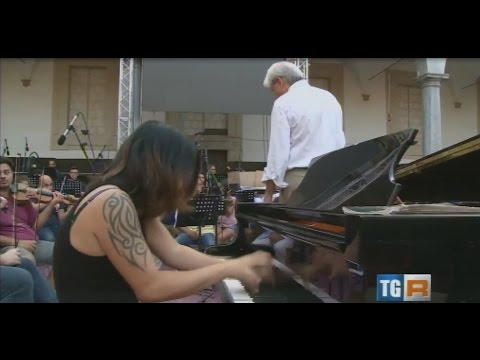 Primavera Shima rehearsing Keith Emerson Concerto No.1 + Keith Emerson Interview on RAI TV