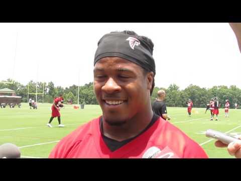 Gridiron Blitz: Atlanta #Falcons Devonta Freeman post-practice presser #nfl#atlantafalcons