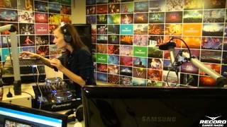 Lady Waks In Da Mix #299 (01-10-2014)