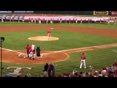 Nolan Ryan Throws Out First Pitch of ALCS