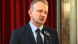 Dragan Đilas: Praksa za studente u javnim gradskim preduzećima i opštinama