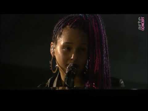 Alicia Keys - Like You'll Never See Me Again Live
