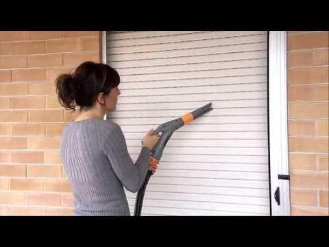 Pulizia tapparelle vapore con biocleaner youtube for Attrezzo per pulire le persiane