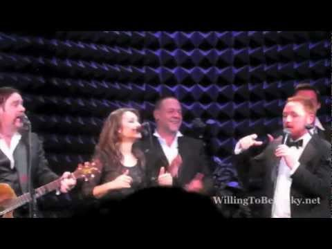 Scott Grimes sings Man in the Mirror (Indoor Garden Party)