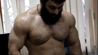 Накаченный Бородач: Сумасшедшие упражнения с гирей в офисе(Офисный работник по кличке