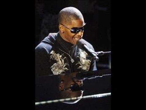 "Jamie Foxx Sings ""Hey Lover"""