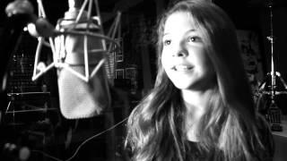 Baixar Julia Gomes - Here Comes The Sun (Cover)