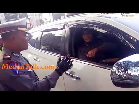 Begini Tingkah Polwan Cantik saat Dirazia Sesama Polisi di Medan