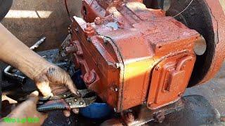 Thợ sửa máy Đ8 có 1 0 2 trên tàu biển/Mr. Machine repairman.