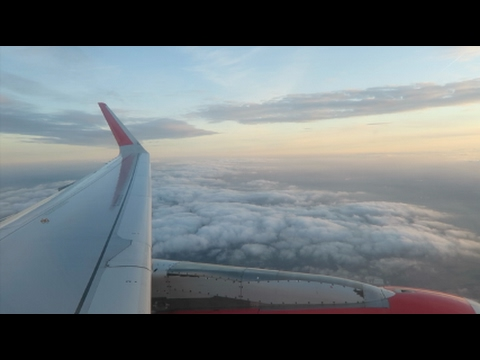Vlog! Flying to Gran Canaria, nausea and painful ears...