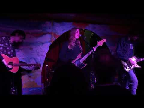 Hatchie - Sleep (live at Shacklewell Arms)