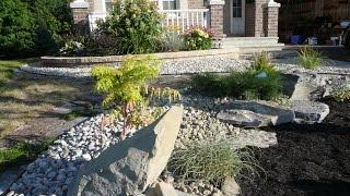 как украсить газон перед домом 1