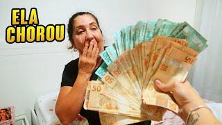 DEI 10 MIL REAIS PRA MINHA MAE E ELA CHOROU!!!