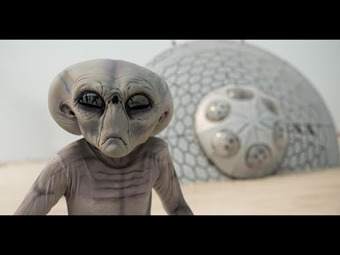 UFO Lands in Desert, Spooks Cop, Leaves Behind Physical Evidence